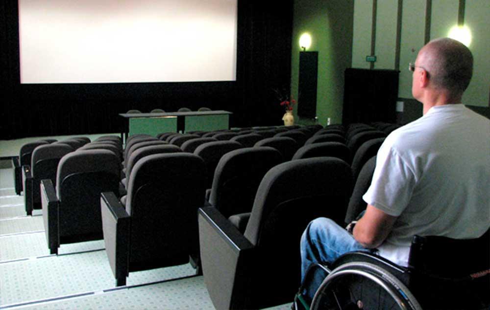 'A acessibilidade no cinema vai além de um espaço para cadeira de rodas', diz Ricardo Shimosakai, Diretor da Turismo Adaptado.
