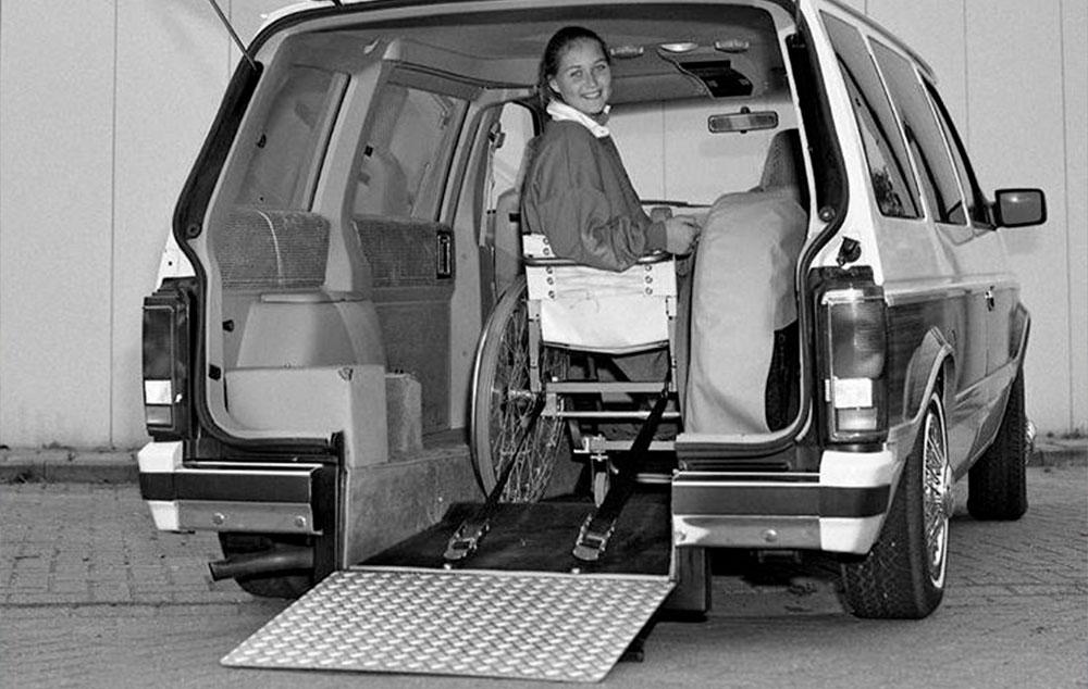 Carro adaptado de 1980. Nostalgia na acessibilidade.