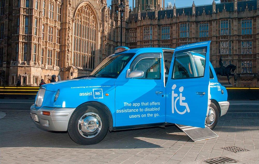 Taxi acessível pelo mundo. Locomoção sem barreiras.