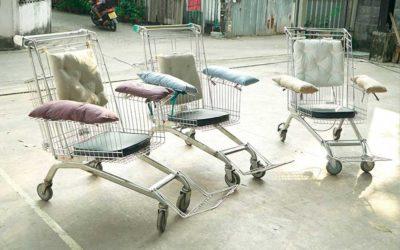 Reciclan carros de supermercado y los transforman en silla de ruedas