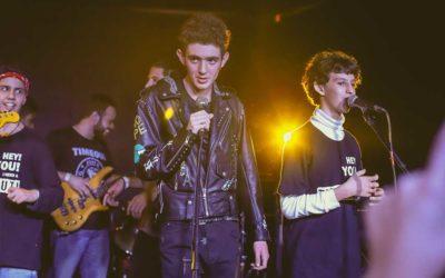 Autistas formam banda de rock e promovem inclusão social