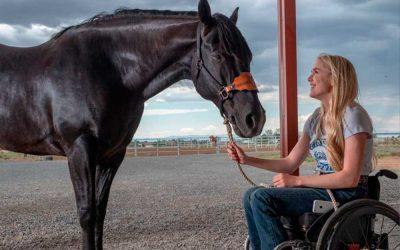 Andar Montar Rodeio – A Virada de Amberley. Cadeirante encontra forças na paixão por cavalos.