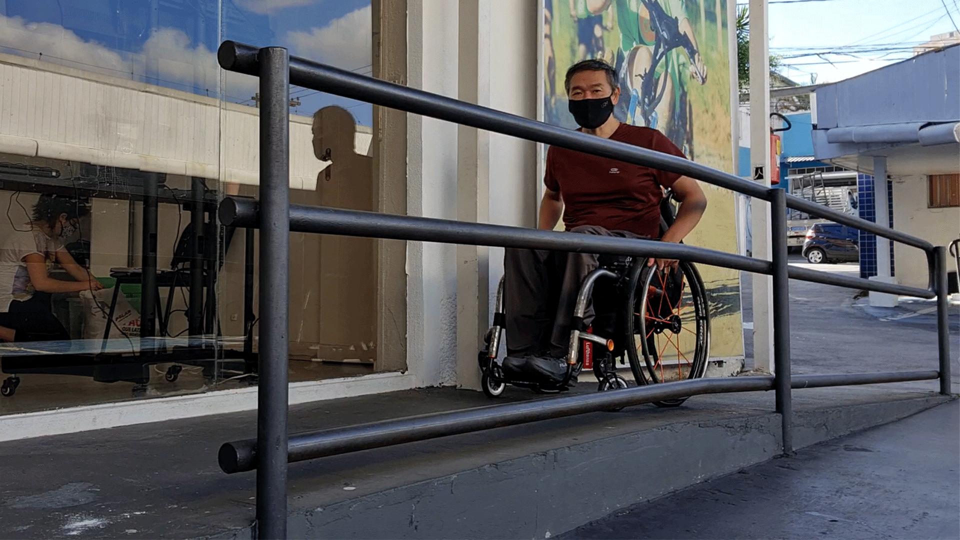 Man climbs CN Tower steps in wheelchair